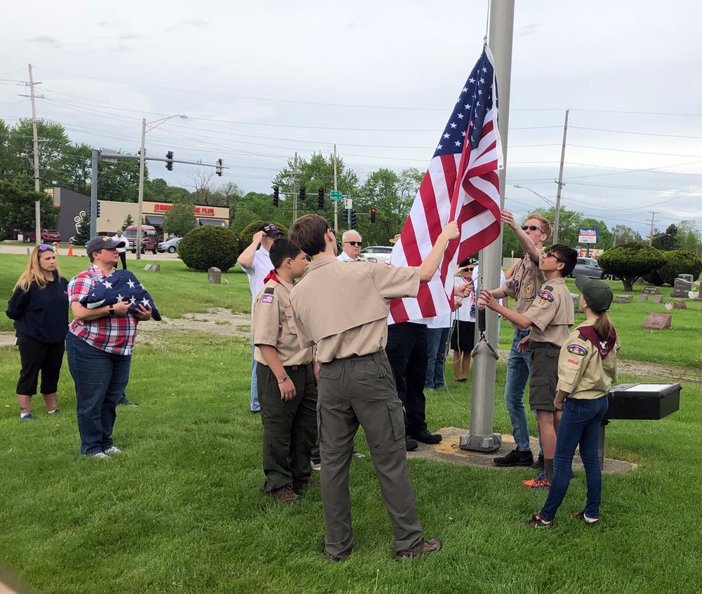 Troop 32 Participates in Memorial Ceremony for Veterans